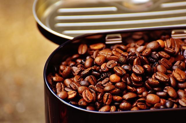 コーヒーの驚くべき健康効果と飲むと危険な人、一日の最適な摂取基準を総まとめ!