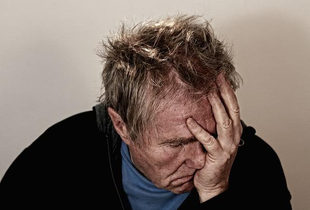 孤独 総死亡リスク 危険 健康