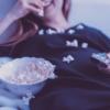 食事に集中できないあなたへ「マインドレスイーティングを防ぐ11のルール」