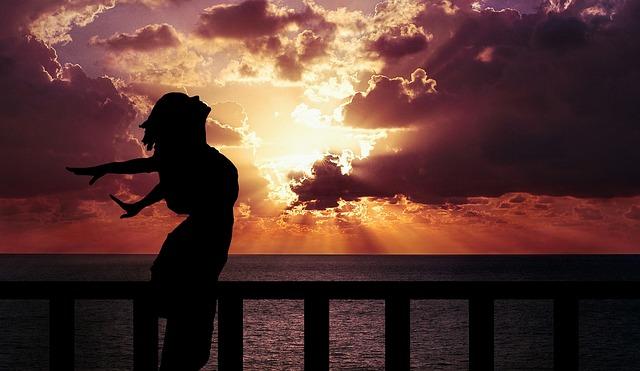 最強のヨガ式呼吸法「スダルシャンクリヤ」でリラックス&思考をクリアに!