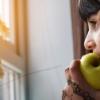 メンタルヘルスに重要な良い栄養と悪い栄養まとめ5選