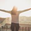 ビタミンD摂取の最重要経路「日光浴」は窓ガラス越しでも効果があるのか?