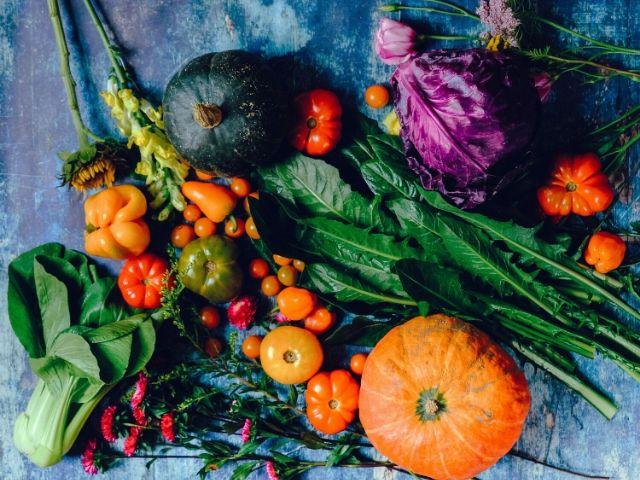 メンタルヘルスを改善する果物と野菜類が3つ判明!