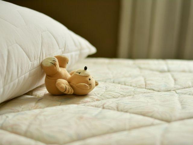 毎日の睡眠時間が脳に与える影響とは?30年以上の追跡調査の結果わかったのは…