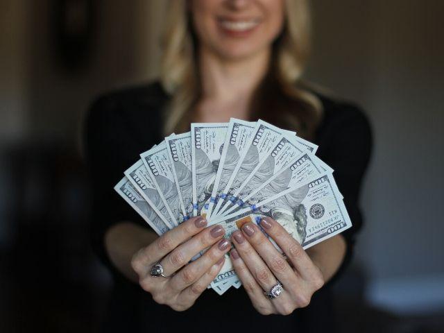 貧富の差が激しい国では収入ランキングが高いほど幸福度も高い!という研究結果