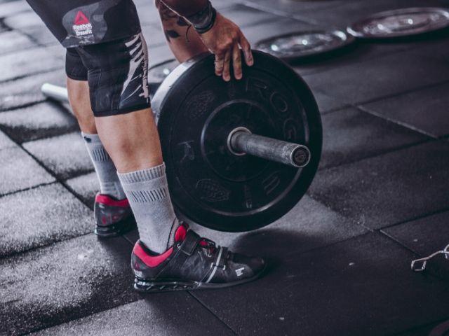 筋トレのセット数【1 vs 3回】はどちらが筋力アップに効果的なのか?