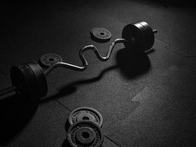 筋トレの順番で筋力アップや筋肥大の効果はどのように変わるのか?