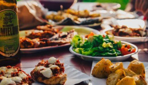 誰かと一緒だとつい食べ過ぎてしまう「食事の社会的促進」が起こりやすい条件が分かったぞ!