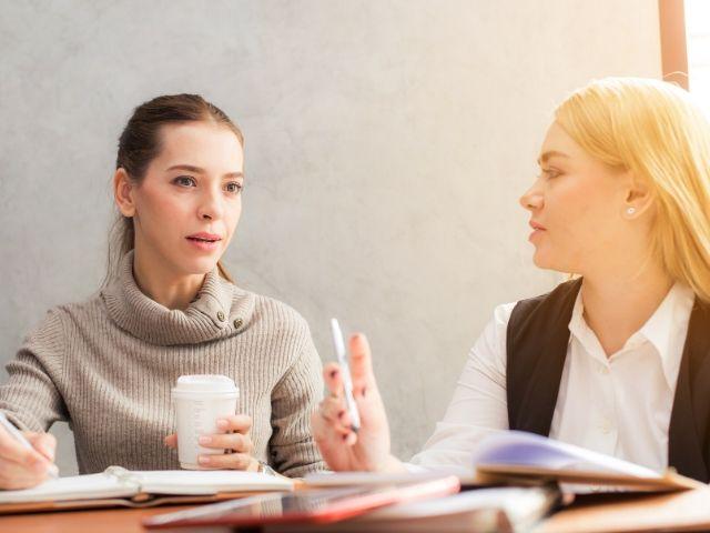 初対面で人と打ち解けるには「非日常的なインパクトのある話」をしよう!