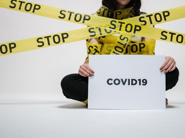 新型コロナウイルス(COVID-19)対策「自主的なイベントの延期・中止」によって日本における感染拡大はどのくらい抑えられるのか?