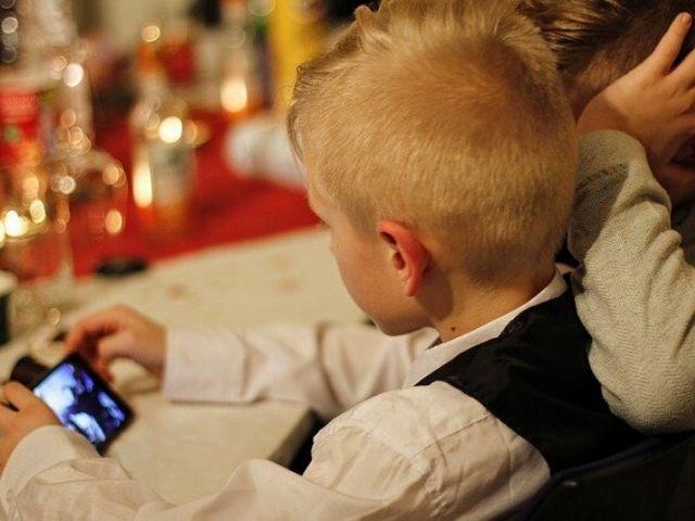 スマホの見すぎは子どもの対人コミュニケーションスキルに何ら影響はない!という研究結果