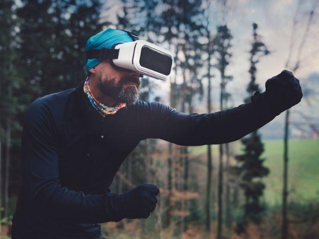 VR(バーチャルリアリティ)を取り入れた治療で不安やうつの症状のが改善するみたいだ