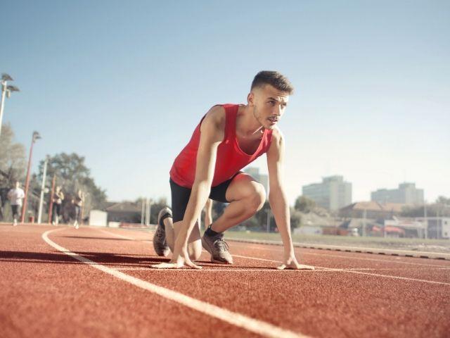 HIIT(高強度インターバルトレーニング)は若いアスリートにどんな効果があるのか?