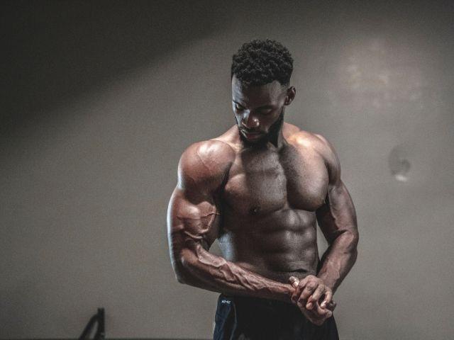 HMBサプリは若者の筋力アップや体型の改善に大して効果がなかったようだ