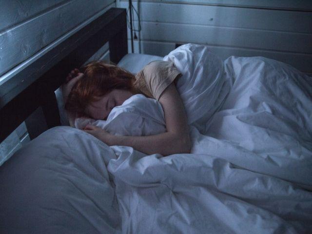 不眠症の「なかなか寝付けない...」という訴えがうつ病発症リスクの重要なカギかもしれない