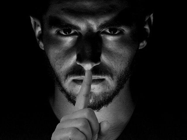 「人の嘘は表情や仕草で分かる!」という一般常識は実は既に否定されている