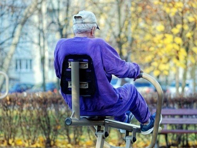 持久力を鍛えてる高齢者にはカフェインとβ-アラニンのサプリが効果的!という系統的レビュー