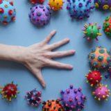 新型コロナウイルス感染患者が他の感染症との合併症を引き起こすリスクはどのくらいなのか?