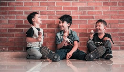 意外と見落とされがちな特徴?周りに好かれる子どもは「一緒に居て楽しい」という評判が高い