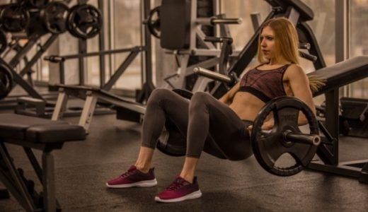 筋トレ種目「バーベルヒップスラスト」を徹底解剖!活動する筋肉やトレーニング効果の転移まで